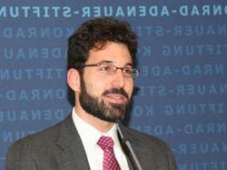 Эксперт США о Евромайдане: Нельзя делать выбор государства на улицах