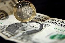 Курс евро укрепляется к доллару на Forex до 1.3296