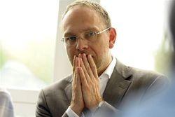 Юлия Тимошенко на посту президента действовала бы решительнее – Власенко