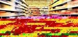 Москвичи начали скупать продукты питания в супермаркетах