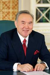Сенат просит Назарбаева назначить дату внеочередных президентских выборов