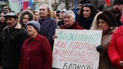Как известные украинцы относятся к блокаде Донбасса