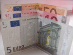 Курс доллара США к евро растет на Форекс на фоне слабых данных по инфляции в Еврозоне