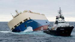 Покинутое экипажем судно с 300 тоннами горючего идет к берегам Франции
