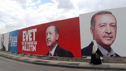 Проводя референдум о своих полномочиях, Эрдоган целился наверняка