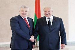 Лукашенко выразил готовность помочь Украине