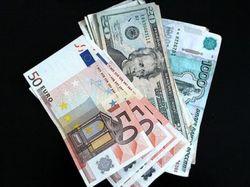 Курс рубля консолидируется в узком коридоре
