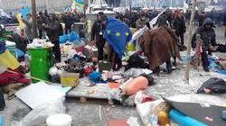Евромайдан не в состоянии навести порядок и просит о помощи киевлян