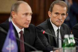Источник: Путин хочет сделать Медведчука и Шуфрича губернаторами на Донбассе