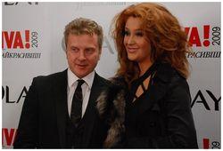 Снежана Егорова и Антон Мухарский: жена разводится, муж говорит о любви