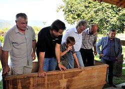 Ющенко не спорит: был у Саакашвили, давили его виноград