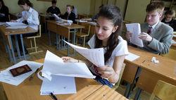 Выпускникам крымских школ в этом году выдадут аттестаты российского образца
