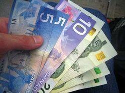 Канадский доллар подвергся распродаже