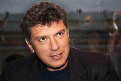 Военные расходы России растут за счет пенсий, налогов, маткапитала – Немцов