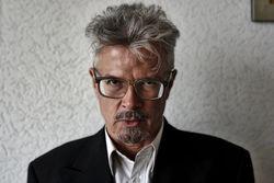 Лимонов хочет лишить Немцова российского гражданства