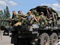 Боевики с семьями бегут в Россию, их сменяет российский спецназ