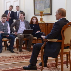"""Почему Путин """"придержал коней"""" в Крыму"""
