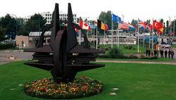 НАТО формирует пять военных баз в Европе – СМИ