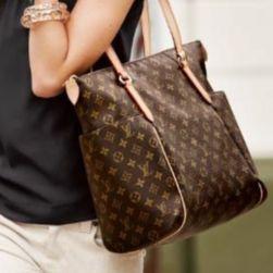 Полиция Кипра не поняла моды и арестовала россиян за Louis Vuitton