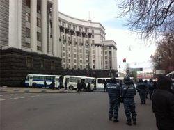 Демонстрантам дали пять суток на разблокирование здания правительства