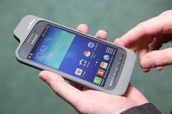 Galaxy Core Advance от Samsung будет оснащен чехлом-поводырем