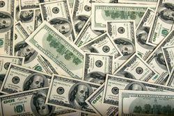 Курс доллара консолидируется вблизи максимума 84,52 на Форекс в ожидании новостей