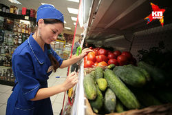 Скачки курса евро и доллара к рублю на Форексе влияют на цены в омских магазинах