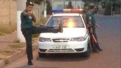 В Узбекистане перевернулся автобус с 50 милиционерами