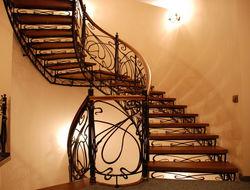 Определены самые популярные ТМ лестниц для дома и компании продавцов в России