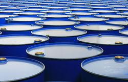Агентство S&P ухудшило прогнозы стоимости нефти Brent в ближайшие годы