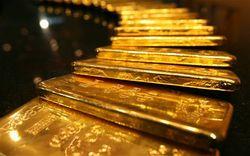 Цены на золото реагируют только на растущий доллар - трейдеры