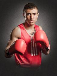 Василий Ломаченко дебютировал на профессиональном ринге с нокаута