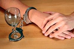 Треть выпивающих в Украине принимают алкоголь для снятия стресса – опрос