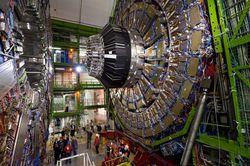 Ученые работают над созданием увеличенного адронного коллайдера