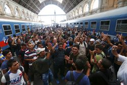 В Германии продолжается кризис беженцев – в чем трудности?