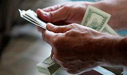 Курс доллара начал расти на Форекс после сильных данных в секторе промышленности в США