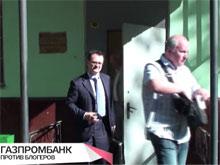 Олег Алексеев (на фото справа)