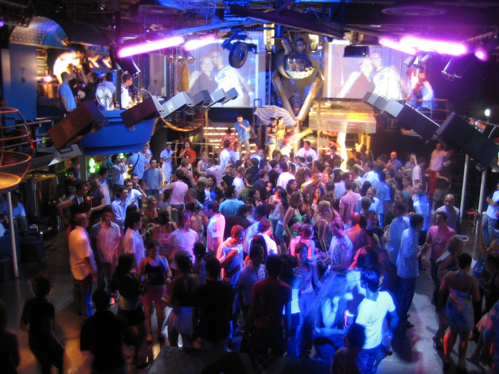 Фото в ночном клубе 14 фотография