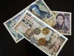 Курс доллара продолжил снижение к иене на 0,28% на Форекс