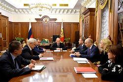 СМИ узнали, о чем говорили на ночном заседании у Путина