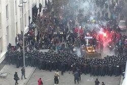 За два часа до штурма Банковой власти завезли провокаторов – Порошенко