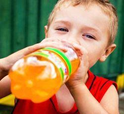 В России предлагают запретить продажу сладкой газировки детям до 14 лет