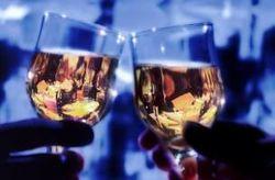 Алкоголь не влияет на качество семени мужчин, а переработанное мясо – да