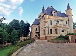 Пугачева и Галкин показали фото дома в поселке Грязь
