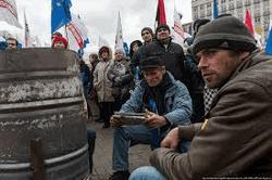 Милиция жестко противостоит протестующим