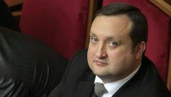 Арбузов гордится экономикой Азарова и пророчит крах новой власти