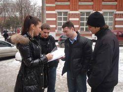 На Востоке нет проблем с русским языком, а федерация не нужна – опрос КМИС