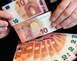 Новая купюра 10 евро запущена в оборот
