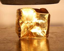 Швейцария конфисковала золото соратников Януковича