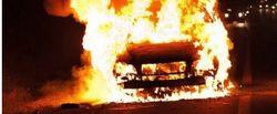 В Украине неизвестные сожгли новое авто депутата от Партии регионов